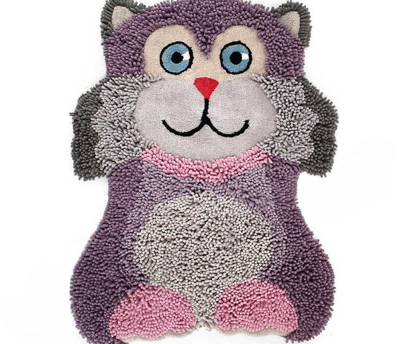 Micio micio, il tappetino antiscivolo a misura di bambina