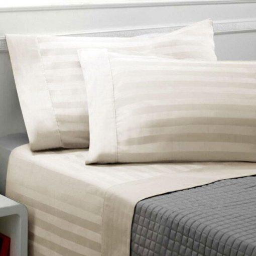 Lenzuola matrimoniali in raso di cotone in confezione completo letto