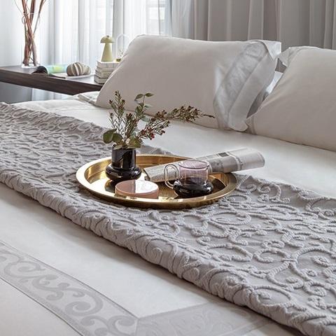 Copriletto matrimoniale grigio San Marco Mirabello con lavorazione a rilievo jacquard